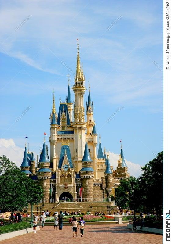 Tokyo Disneyland Cinderella Castle Main Building Illustration
