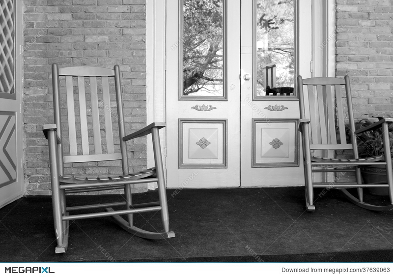 Two rocking chairs on front porch & Two Rocking Chairs On Front Porch Stock Photo 37639063 - Megapixl