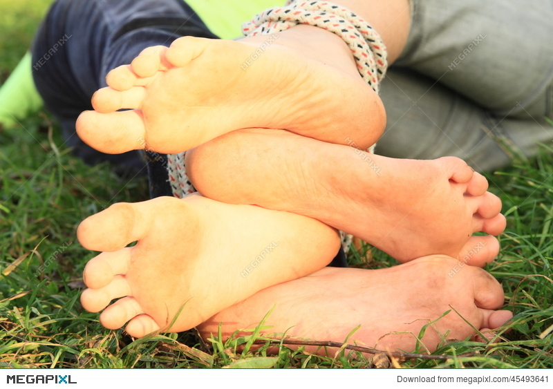 soles of girls´ bare feet stock photo 45493641 - megapixl