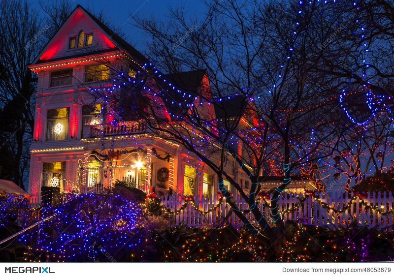 christmas lights festival opening in the victorian belle portland oregon