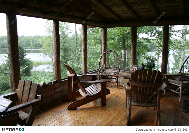 Attirant Rustic Cabin Porch With Lake View