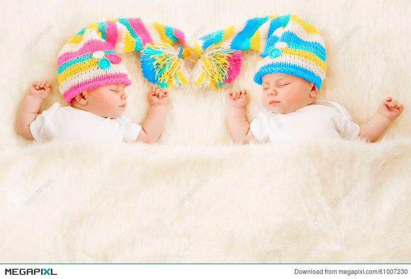f1a5881d4 Twins Babies Sleep Hat