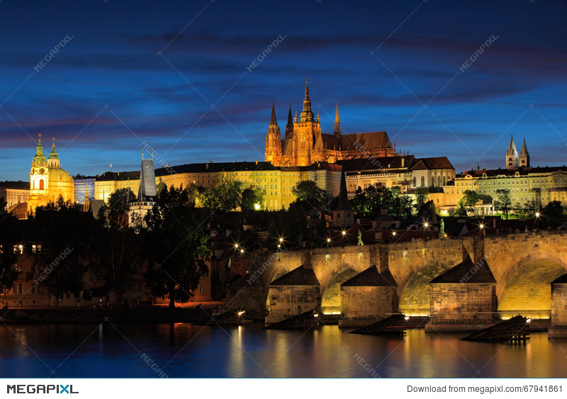 The Prague Castle Gothic Style Largest Ancient Castle In The World