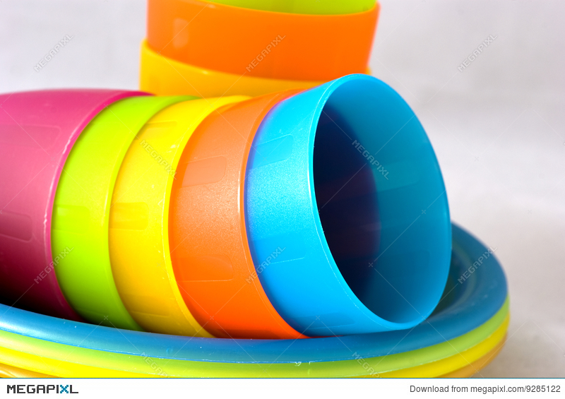 Plastic cups and plates & Plastic Cups And Plates Stock Photo 9285122 - Megapixl